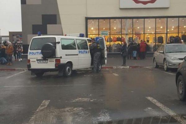 alerta cu bomba mall