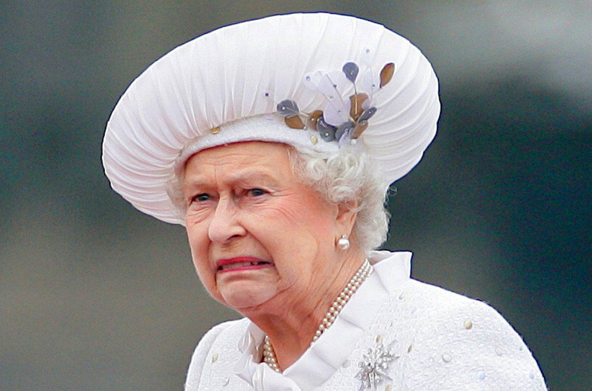 regina elisabeta victima neomarxism