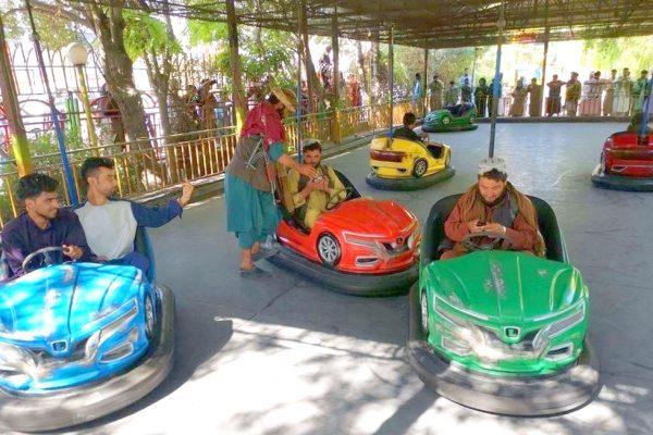 talibani masinute electrice copii